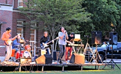 The American Mannequins performing on Myers Quad